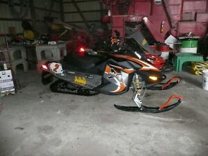 500ss TnT ski-doo (with Electric Start and Reverse)