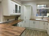 HANDYMAN BUILDER CARPENTER ELECTRICIAN PLUMBER PLASTERER KITCHENS BATHROOMS UPVC WINDOWS DOORS