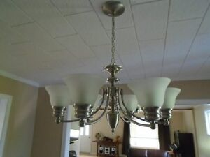 6 lights chandelier (brand new in box). Worth $267,50 + tax