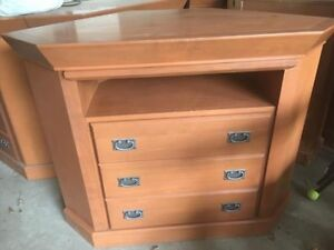 3 Drawer Entertainment Stand/Dresser Corner Unit