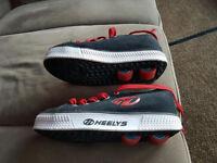 For sale Heelys shoes size uk 1,eur 33 .