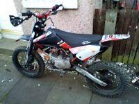 m2r 125 bike