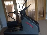 Professional life fitness cross trainer