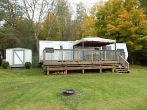 2008 40' FOREST RIVER WILDWOOD LODGE TRAILER