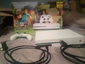 Xbox one limited edition / Xbox one Headset / 2 Xbox one games