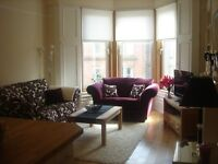 BEAUTIFUL PERIOD 2 BEDROOM 2 BATHROOM 1ST FLOOR FLAT IN WEST END WITH FREE ON-STREET PARKING