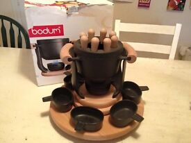 BODUM cast iron fondue pot with lazy susan