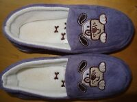 Girls cosy warm slippers - puppy dog motif - size 3