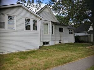 3 BEDROOM LOWER ON MARTINDALE READY RIGHT AWAY!