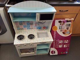 Plum toy wooden kitchen cooker 'Snowdrop kitchen'
