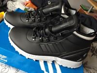 Adidas size 7 Trainers / Boots