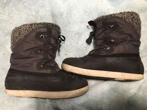 Kamik Warm Winter Boots - size 5 youth