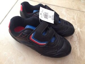 Athletic Works toddler size 11 soccer shoes NWT