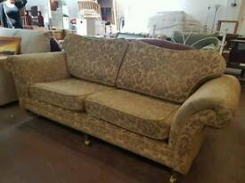 Beautiful patterned 2+3 seater sofa set with castor feet