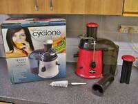 Powerful cyclone whole fruit & veg power juicer