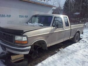 Wrecking for Parts: 1993 Ford F150 4x4