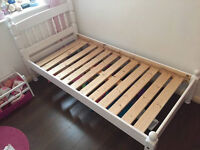 KIDS SMALL 5.5FTx2.5FT WHITE WOODEN BED & MATTRESS - BROOMFIELD