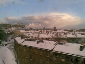 LARGE DOUBLE BEDROOM TO LET IN EDINBURGH CITY CENTRE - TOLLCROSS - ALL BILLS AND CT INCLUDED!