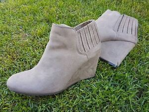 BRAND NEW Beige wedge ankle boots 9