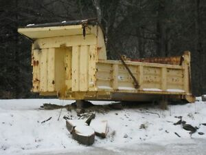 12ft Breault dump box for 6 wheeler with cylinder and tarp