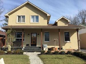 Summer Sublet - 7 Rooms, all girl house, 10 min walk to Mac!