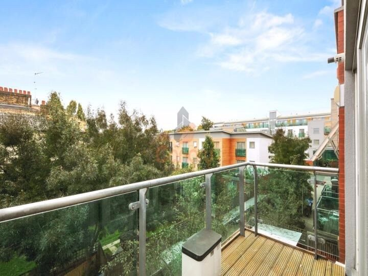 1 BEDROOM APARTMENT WITH PRIVATE BALCONY - PLEASANT