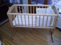 rocking crib with mattress and bumper set very good condition