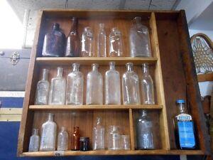 Bouteilles de Médicaments et Sirops Antiques