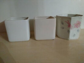7 Ceramic and Porcelain Vases