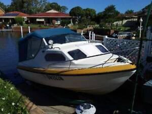5m Fibreglass Fishing Boat Evinrude 90hp