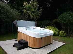 Refurbished Hot tubs with delievery and warrenty Included