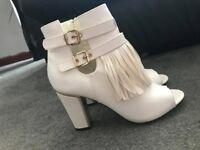 Peep toe heels!