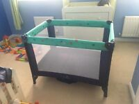 Travel cot and carry case