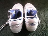 Adidas predator size 10 mens molded studs vgc