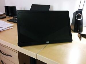 "AOC 16"" Portable USB Powered LCD Monitor"