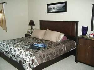 5 Piece King Size Bedroom Set - $650 OBO Edmonton Edmonton Area image 1