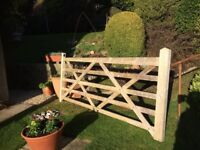 Quality wooden gate & posts - new & unused.