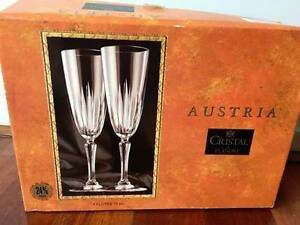 Set of 4 Champagne Flutes BNIB Lynbrook Casey Area Preview