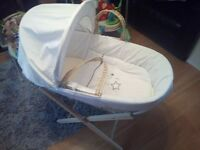Kinder Valley White & grey Neutral moses basket and stand - excellent condition