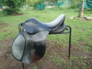 Black leather saddle 16.5 inches, medium gullet Greenslopes Brisbane South West Preview