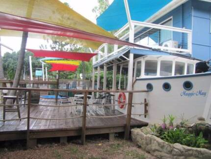 GUESTHOUSE AND CAR HIRE BUSINESS  - BEACHFRONT MAGNETIC ISLAND