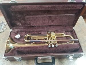 Yamaha student trumpet and case