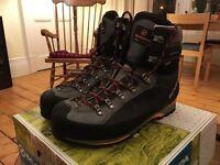 Scarpa Mens Manta Pro GTX boots. EU 45 / UK 10.5. (walking/trekking/winter)