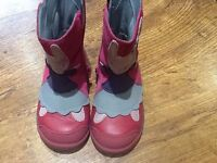 Clarks Boots size 5 worn one as new