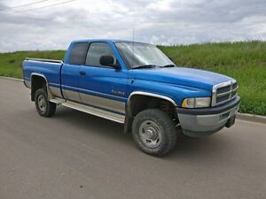 1999 Dodge Ram 2500 5 speed TURBO DIESEL ** INSPECTED **