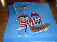 Pirate duvet and pillow case for single bed.