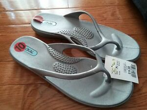 New with tags Ladies Flip Flops
