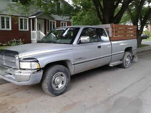 1995 Dodge Power Ram 2500 Camionnette