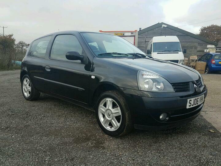 renault clio1 2 campus sport 2006 years mot in clacton on sea essex gumtree. Black Bedroom Furniture Sets. Home Design Ideas