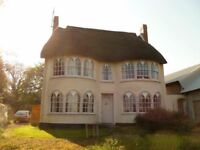 Double room to rent in Thatched farmhouse 15 minutes from Exeter City Centre